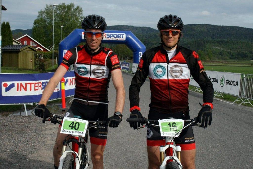 PALLEN: Knut Erik Nesteby (til venstre) syklet inn til 2 pallplasser i helgen. Her sammen med lagkamerat Anders Fiskvik. FOTO: Henriette Skjørdal.