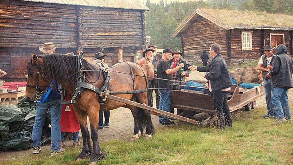Hestefolket er i ferd med å rigge opp til en ny hestival på Savalen