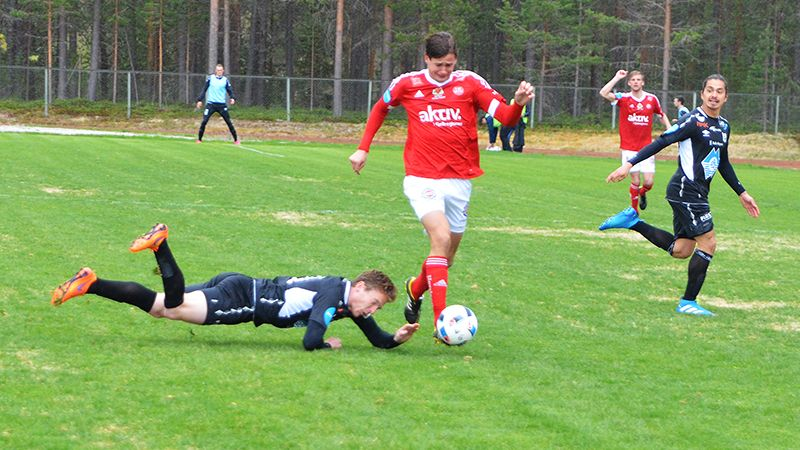 AVSKJED: Det ble ingen poeng for Torgeir Nybø i sin siste kamp før han drar til USA. Foto: Erland Vingelsgård