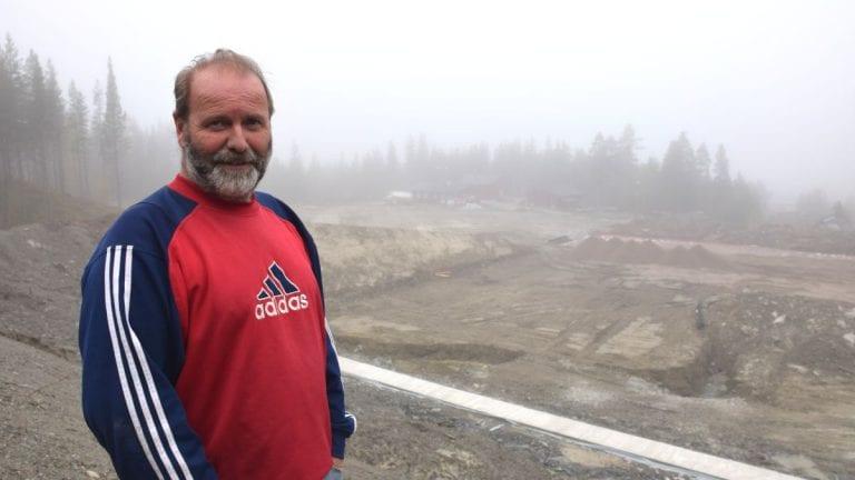 BILLIGERE LØSNING: Entreprenør Knut Joar Harsjøen er tydelig på at det er mulig å bygge en billigere gang- og sykkelveg på Kvikne. Arkivfoto: Jan Kristoffersen