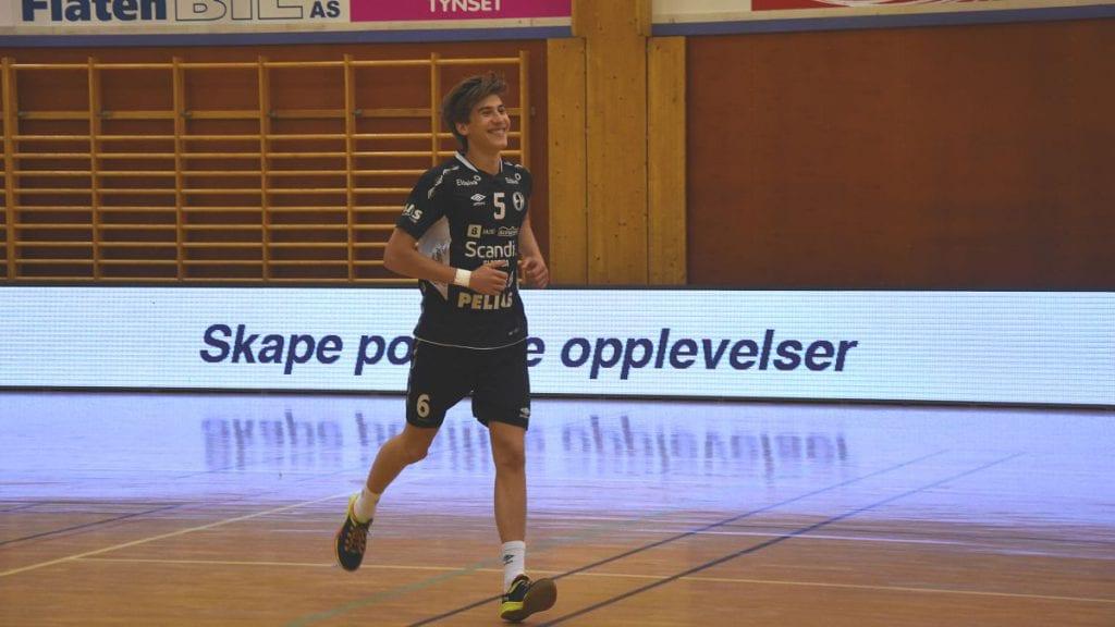 FORTID I RØDT: Aleksander Mitrovic har tidligere spilte for Tynset, og lørdag ble han Norgesmester med Elverum. Arkivfoto: Jan Kristoffersen.
