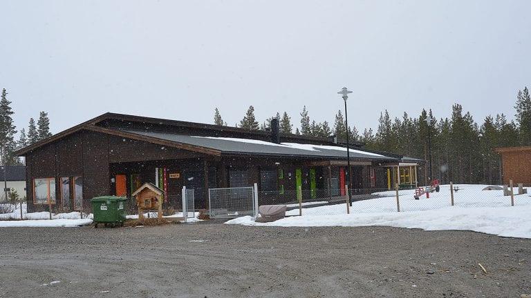 ÅPNER DØRENE: Ingebjørg Mikalsen sier at Furumoen barnehage vil åpne dørene 1. august. Arkivfoto: Erland Vingelsgård
