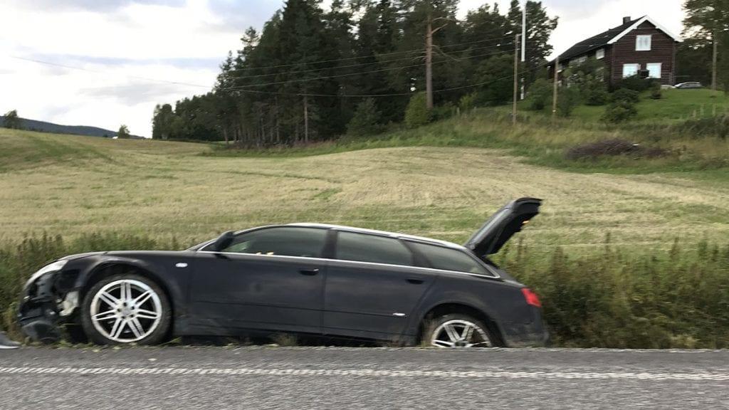Kjørte rett i grøfta
