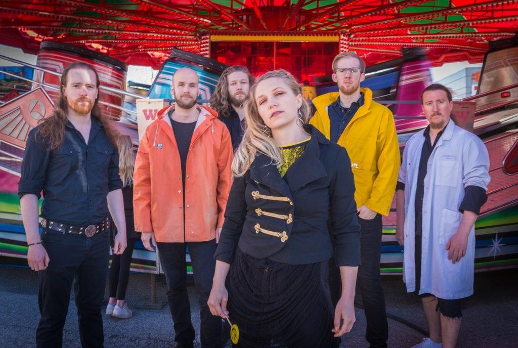 PLATEAKTUELL: Eline Weidemann Stølan og Fastlane Flower er ute med det etterlengtede andre albumet. Foto: Fastlane Flower