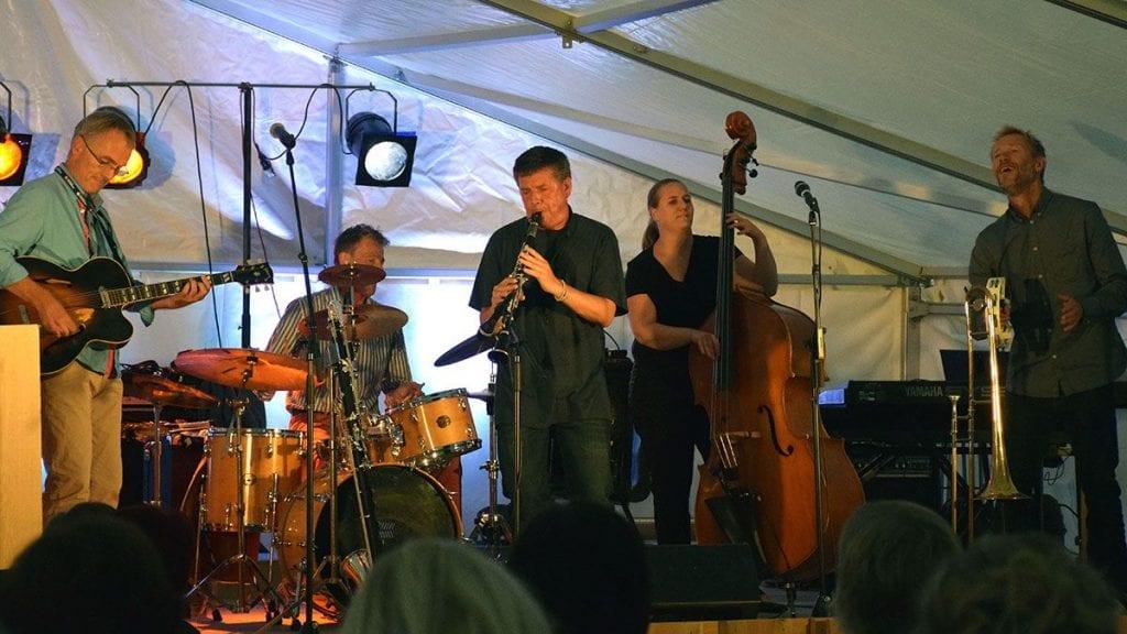 JAZZKLUBBEN FÅR STØTTE: Tynset jazzklubb ligger an til å få 30 000 av kulturfondsmidlene. Her et bilde fra klubbens åpningskonsert med Caledonia Jazzband i 2016. Foto: Jan Kristoffersen