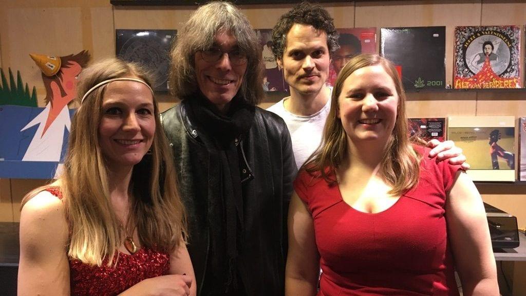 STOR FAN: David Fricke fra Rolling Stone fikk også med seg intimkonserten på Big Dipper i Oslo. Foto: Inger Bråten