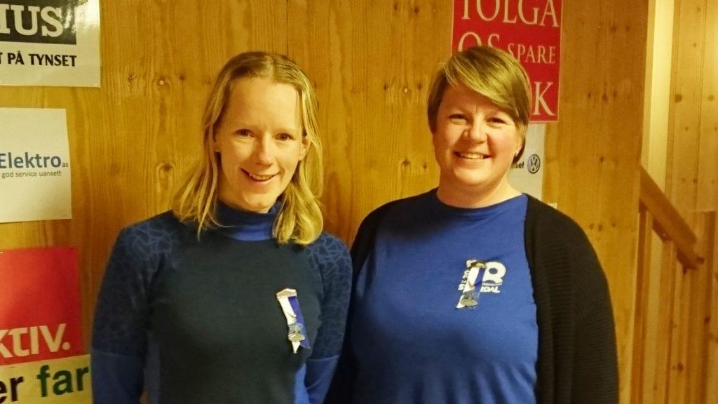 HJEMMESEIER: Britt Nesteby, til venstre, sørget for en av Tynset skytterlags to klasseseiere. til høyre Turid Henningsmo, Dalsbygda, som vant klasse 1. Foto: Privat
