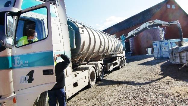 AKTØRER: Oddvar Austbø mener at de lokale transportørene må være med på laget når det skal utredes om biogass-produksjon og -bruk. Illustrasjonsfoto