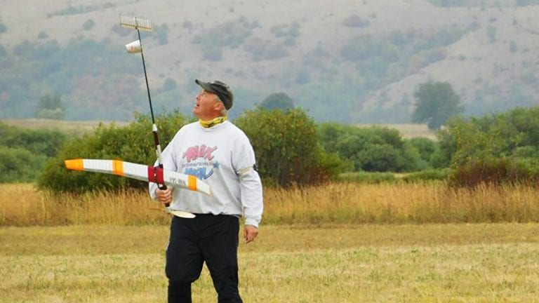 KJEMPEPRESTASJON: Med andreplass i verdenscupen i 2018 leverte 61-åringen Dag Edvard Larsen sin beste internasjonale prestasjon. Foto: Privat
