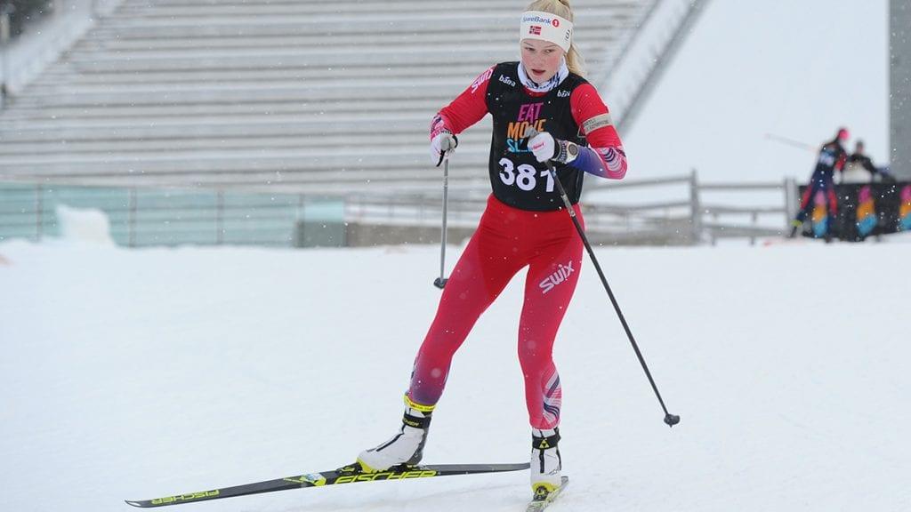 RASK OG TREFFSIKKER: Mari Grøtli Svergja vant sprinten undet Bama Skiskytterfestival. Foto: Arne Brunes