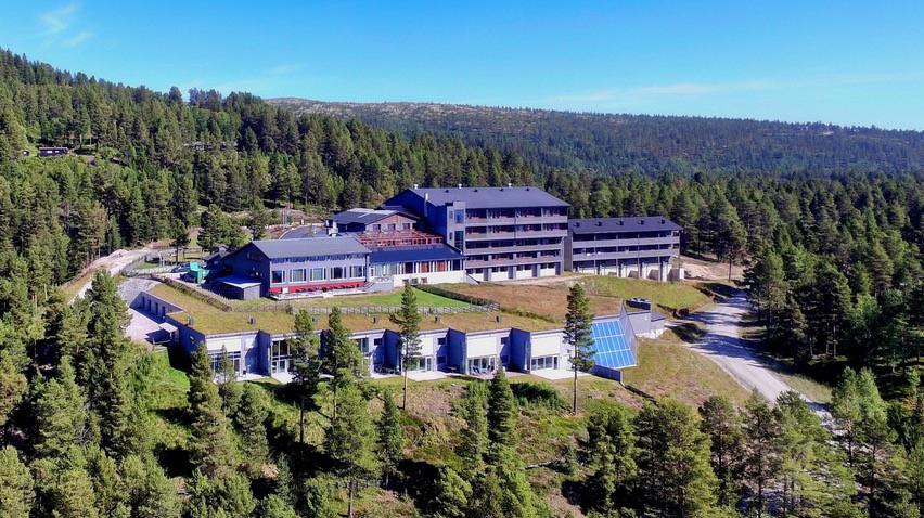 FLERE ETASJER: Fløya helt til høyre skal bygges på i to etasjer. Foto: Savalen Fjellhotell & Spa.
