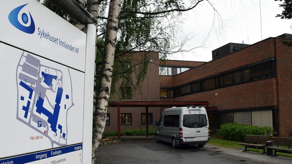 OVERLEVD MANGE KAMPER: Tynset sjukehus har hatt nedleggelsesspøkelset over seg mange ganger i løpet av historien. Foto: Tore Rasmussen Steien
