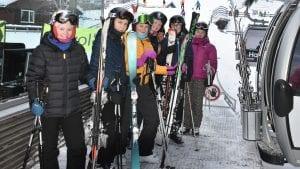 KLAR FOR GONDOLBANEN: Fra venstre: Ylva Often, Emma Rønningen, Katrine Telgardsenget, Mari Solvang Aamodt, Hedda Hansæl og Julie Østgård. Foto: Lars Hogstad