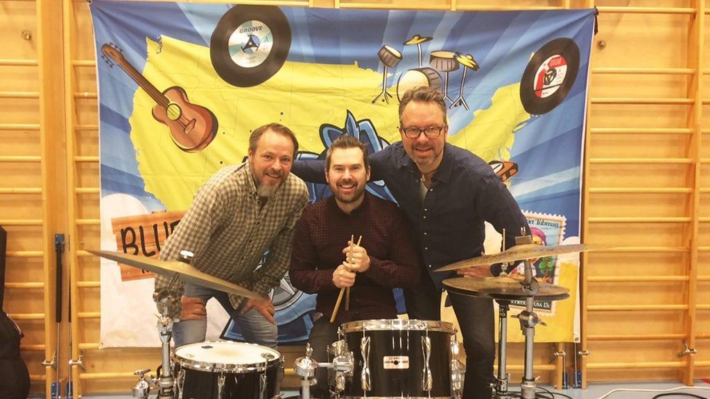 """KLAR FOR HØGGET: Denne blues-trioen, med navnet """"Blues for Barna"""" er klar for Høgget. Fra venstre: Erik Harstad, Henrik Maarud og H. Foto: Privatåkon Høye"""