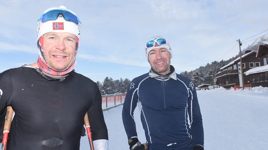DOBBELTSEIER: Ove Feragen (til venstre) og Tor Halvor Bjørnstad Tuveng tok de to første plassene i seniorklassa. Og NM-løypene er nå godkjent også av leger. Foto: Jan Kristoffersen