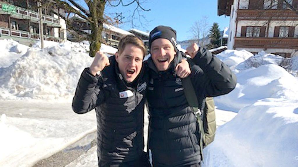 SATSER VIDERE: Ole bjørnsmoen Næs har hatt ei kjempehelg i Inzell og vil satse videre. Her sammen med lagkamerat Sverre Lunde Pedersen. Foto: Privat
