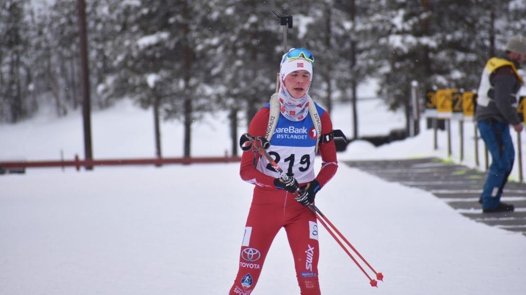 RASK I SPORET: Ingen kunne dytte Jakob Høsøien ned fra tronen under søndagens sprint i Folldal. Foto: Torstein Sagbakken.