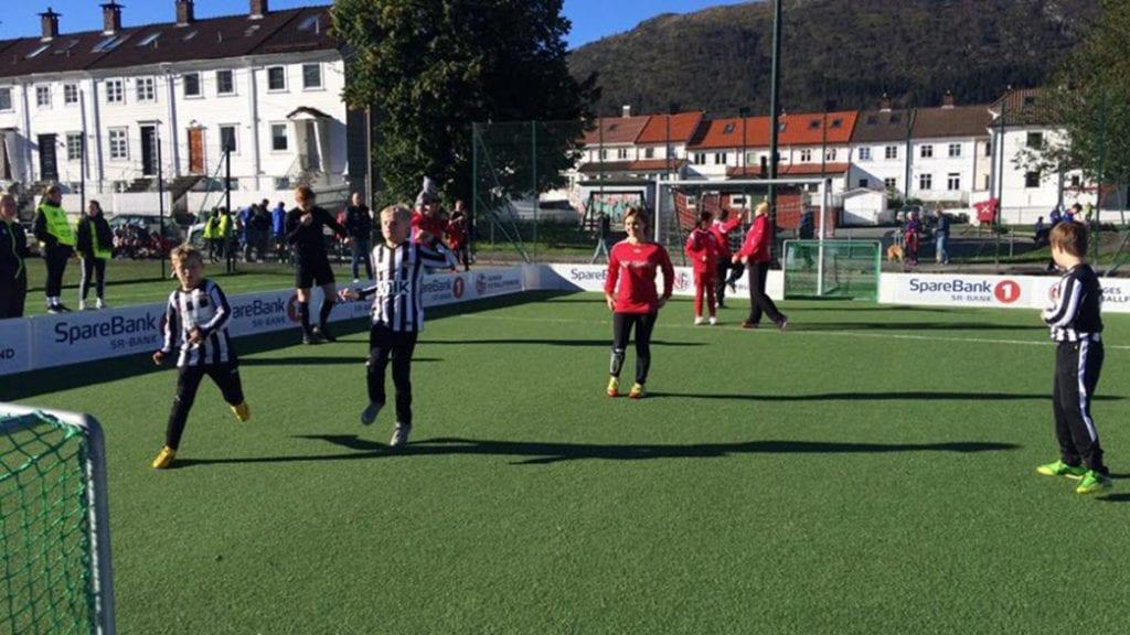 SKAPER IDRETTSGLEDE: TIF tror de små treerbaner gir mestring og glede hos de små fotballspillerne. Illustrasjonsfoto: Norsk Fotballforbund
