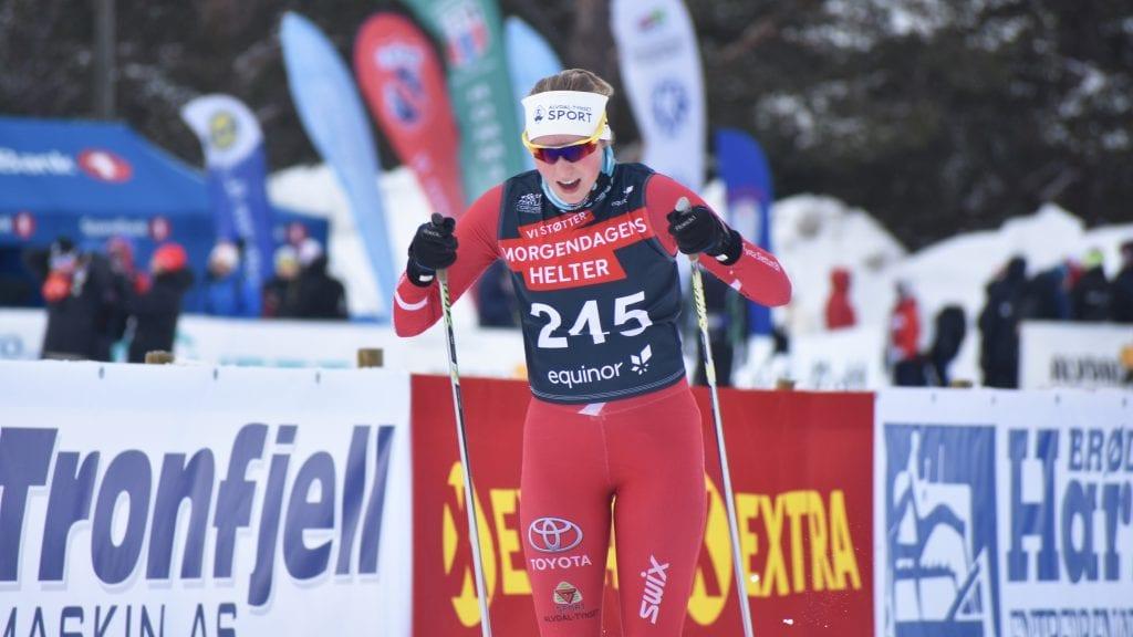 TUNGT PÅ SAVALEN: Skiskytteren fra Kvikne, Rønnaug Hansæl-Nergaard, synes det var tunge løyper på Savalen under fredagens junior-NM. Alle foto: Torstein Sagbakken.