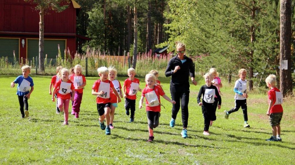 VIL HA MED DE UNGE: På Telneset har det vært mye aktivitet for de aller yngste idrettsutøverne. Nå kommer TIF med tilbud til barn fra ett til seks år. Og medlemsskap i TIF er ikke nødvendig. ILLUSTRASJONSFOTO: Anne Skjøtskift