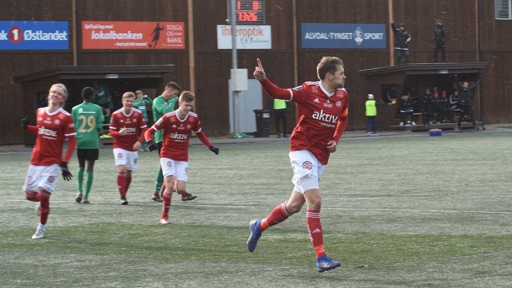 TOMÅLSSCORER: To ganger satte Henning Røe ballen i mål da Sverresborg ble slått 3-0. Begge hans scoringer kom på straffespark. Foto: Jan Kristoffersen