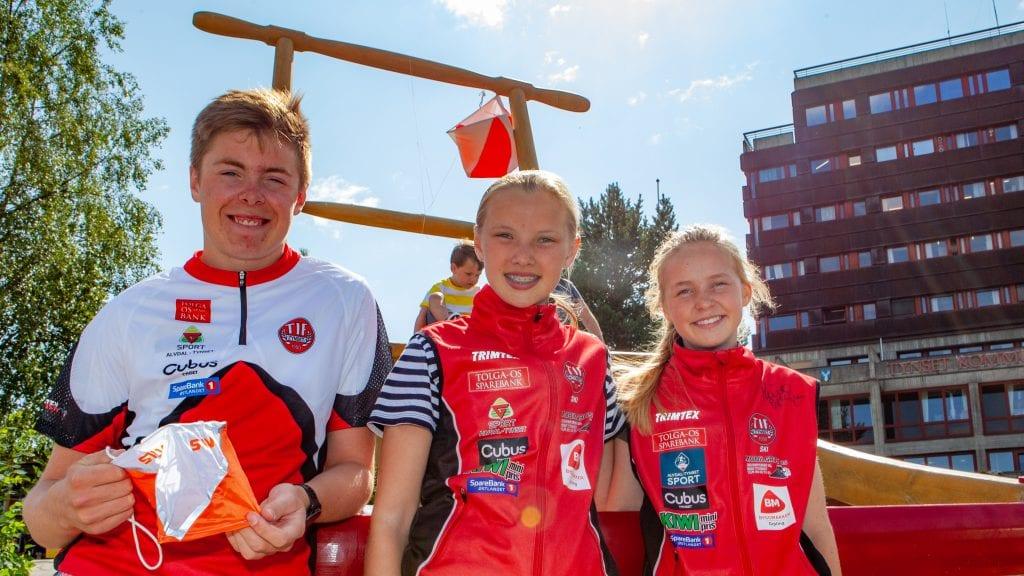 SPENTE: Sebastian Rød Feragen, Guro Schjølberg og Ida Høsøien er klare for Hovedløpet i helga. Foto: Lars Vingelsgård