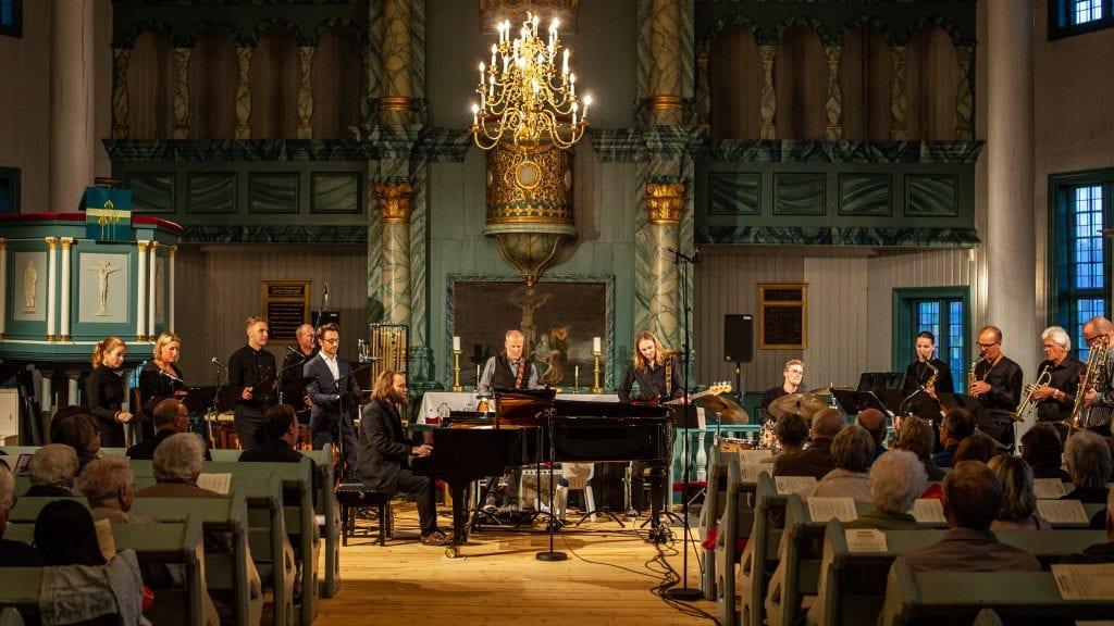 FYLTE KIRKEN: Åpningen av Tynset Jazzfestival ble godt tatt imot av publikum. Foto: Lars Vingelsgård